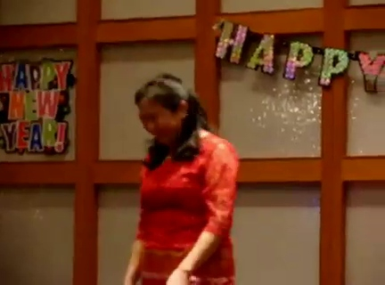 Burmese Classic Ka Thit Pann by Mie Mie at USBMA 2010 New Year Eve Party<br /> video credit: dominic