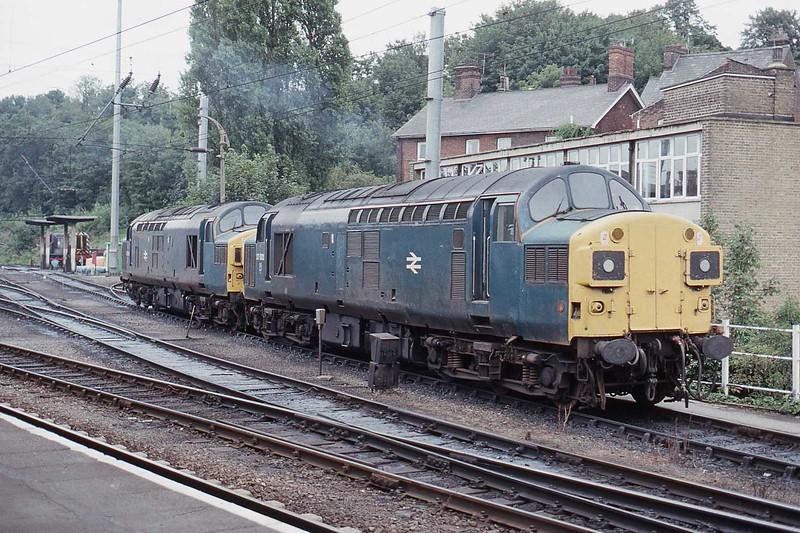 16 August 1989 :: 37006 + 37009 are at the servicing depot adjacent to Ipswich Station