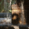 109mm, f5, 1/10 sec...Fountain