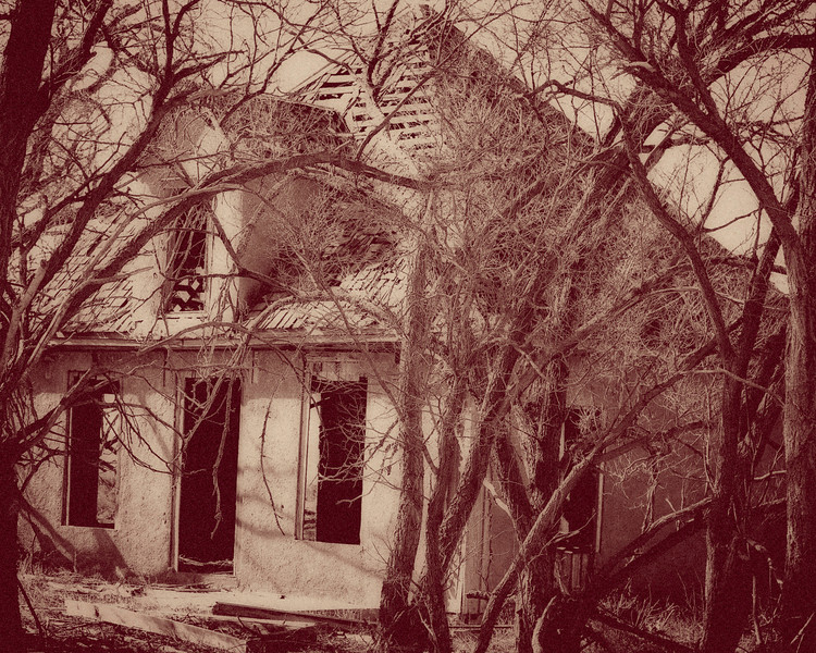 eerie old house