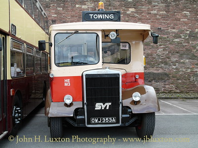 Doncaster Corporation / South Yorkshire Transport towing vehicle