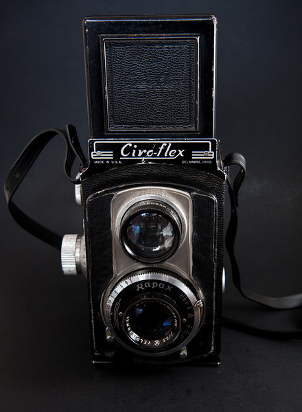 The Ciro-flex was produced in Delaware Ohio during the 1940's.  Multiple versions, A-F were produced with the later E and F models being the most desirable (this is model E)
