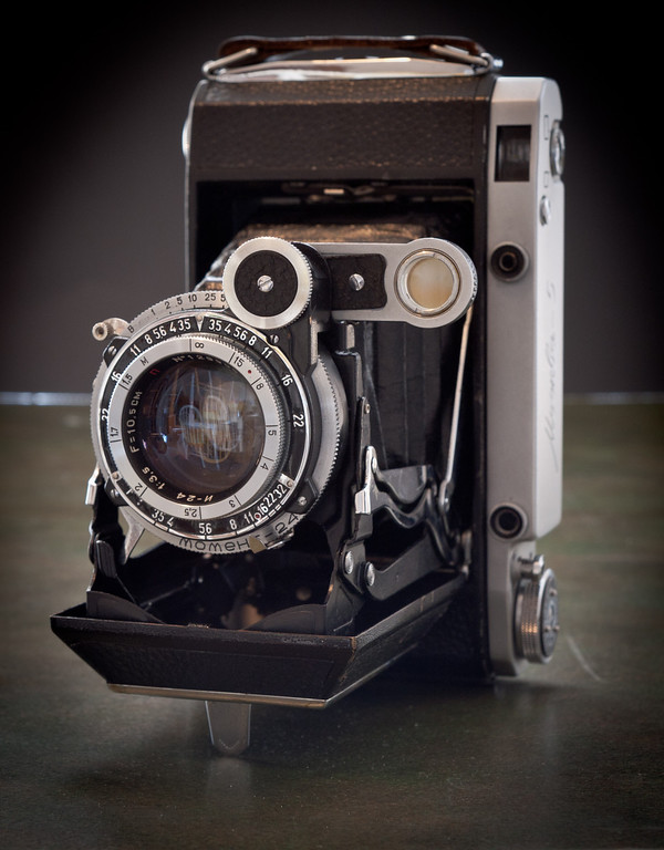 The Moskva 5, produced in the 1950's, is a modified copy of the Zeiss Super Ikonta C.  The camera is set up to take either 6x6 or 6x9cm negatives on 120 film.  I don't have the 6x6 insert, but I'd rather use the larger 6x9 format anyway.