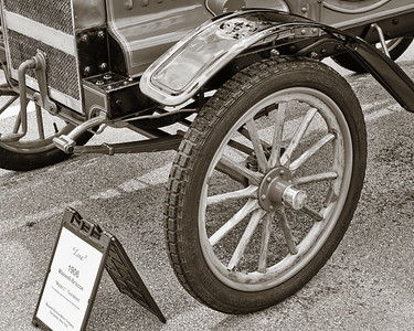 1906 Maxwell Touring Car in Black and White 204.2137