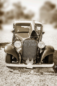 1932 Plymouth front view in Sepia 3044.01