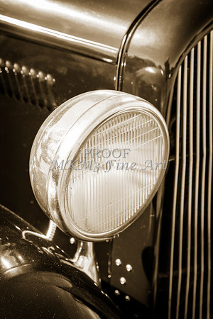 1932 Plymouth headlight or Head Light in Sepia 3046.01