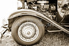 1932 Plymouth Front Fender in sepia 3047.01