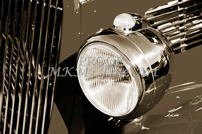 1933 Ford Vilky Automobile Headlight in Sepia 3027.01