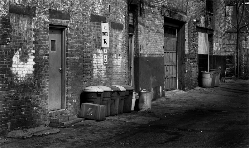 67 Troy NY Alleyway 1 May 2006
