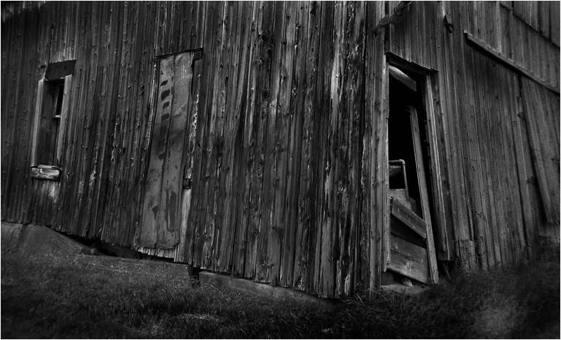 67 Merrill NY Roadside Barn 8  July 2007