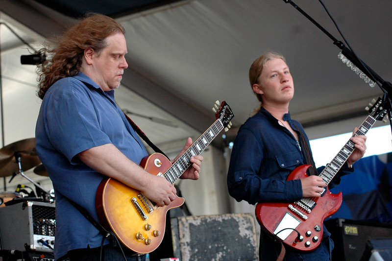 Warren Haynes and Derek Trucks perform with the Allman Brothers Band at the New Orleans Jazz & Heritage Festival on May 5, 2007.