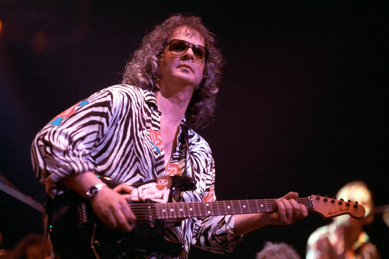 Al Kooper performs with Joe Walsh at the Warfield Theater in San Francisco on September 6, 1991.
