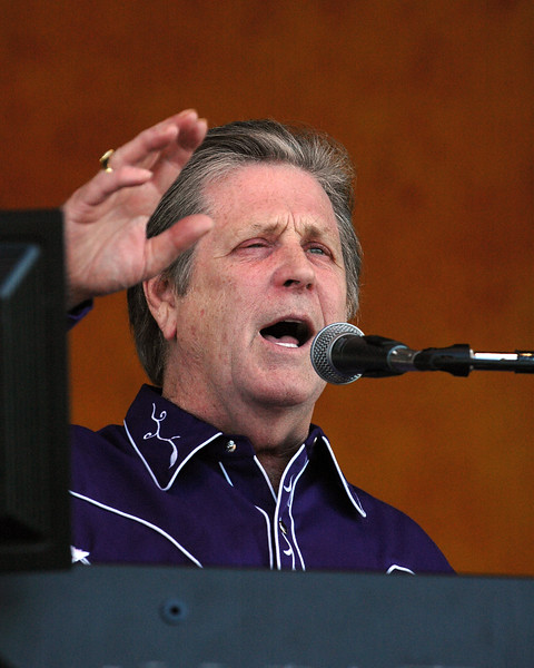 Brian Wilson performs at the New Orleans Jazz & Heritage Festival on April 24, 2005