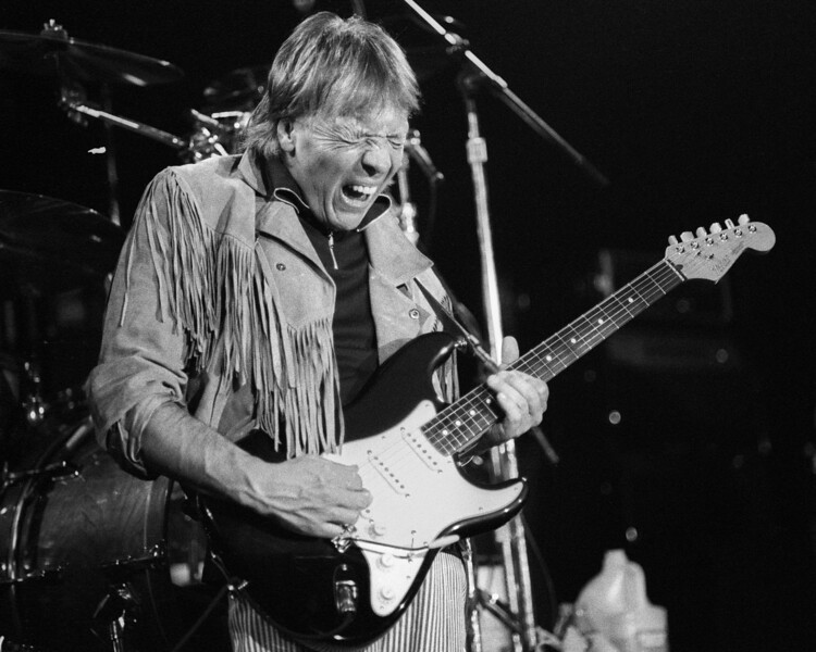 Robin Trower performs at The Stone in San Francisco on February 23, 1986.