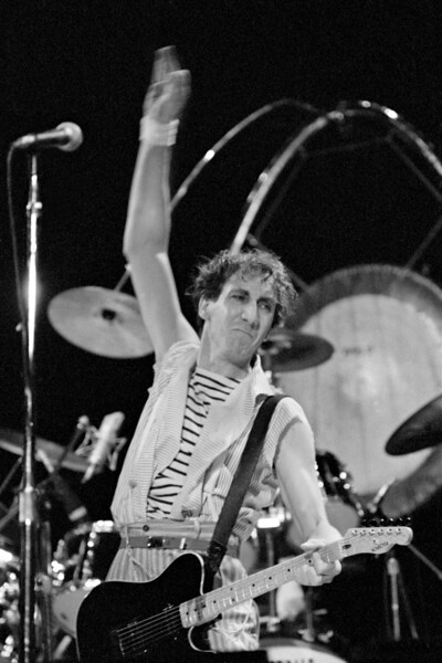 The Who 102582-8