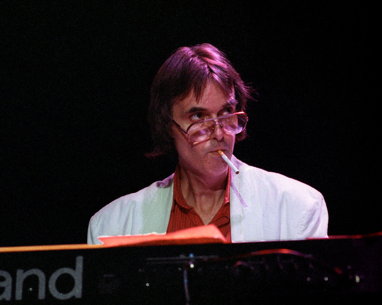 Nicky Hopkins performs at the John Cippollina memorial concert at the Fillmore on June 26, 1989.
