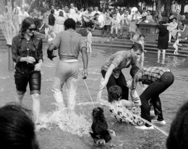 Washington Square Fountain, New York, 1963