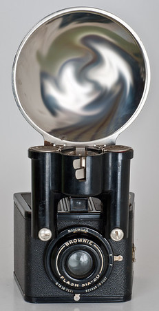 Kodak Brownie Flash Six-20 (1946-55) - Kodak's first internally-synchronized flash camera