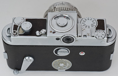 Kodak Ektra, showing viewfinder focal-length dial and diopter dial
