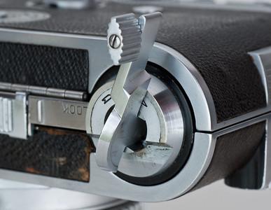 Kodak Ektra, showing film-rewind knob extended