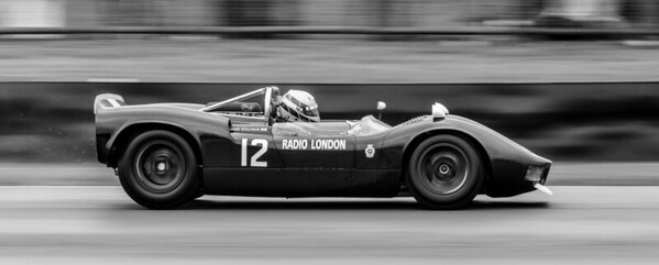 McLaren-Ford-M1B