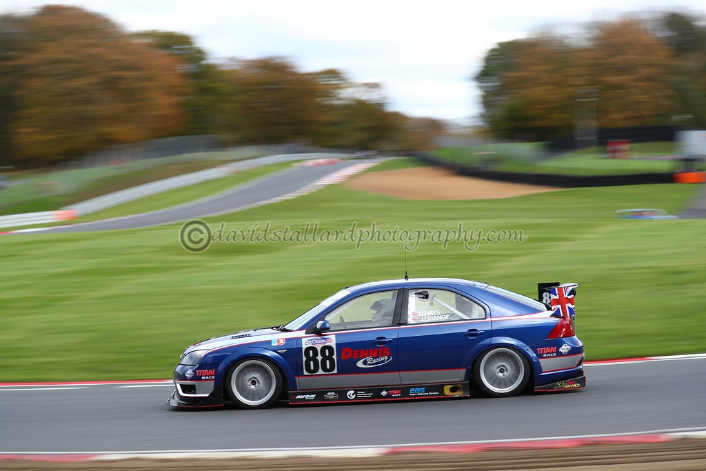 IMAGE: https://photos.smugmug.com/ClassicSportsCarClubCSCC/CSCC-2017/CSCC-Brands-Hatch-12-Nov-17/i-9G8Bc9f/0/2e8b8bc4/XL/BH%2012-11-17%20%200548-XL.jpg