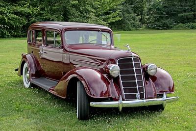 1934 Oldsmobile Super 8 at Old Westbury Gardens.