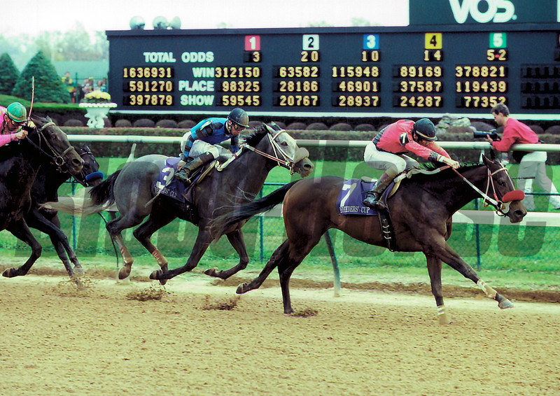 Caressing wins the 2000 Breeders' Cup Juvenile Fillies<br /> Anne M. Eberhardt Photo
