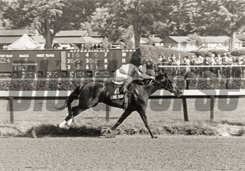 #4 Love Sign wins the Alabama Stakes at Saratoga on August 9, 1980.<br /> The Blood-Horse Library