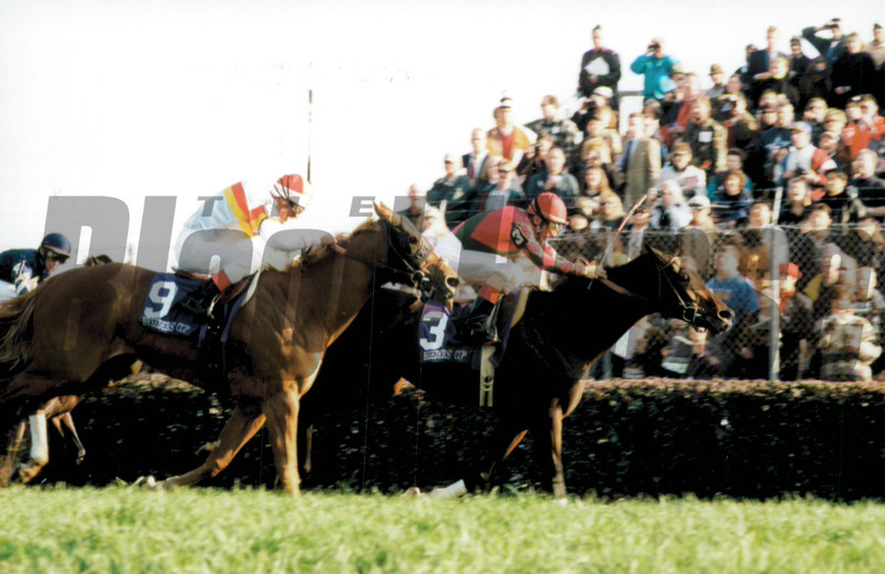 Da Hoss wins the 1998 Breeder's Cup Mile 1998<br /> Anne Eberhardt Photo