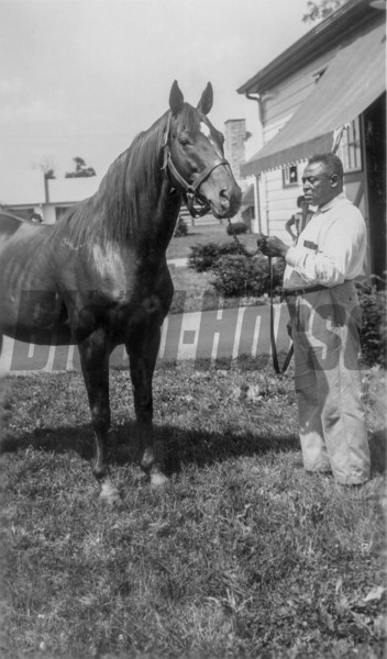 Man o' War<br /> Photo by: J A Estes