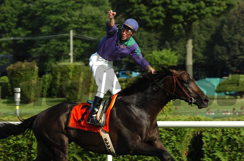 Grand Couturier wins the 2007 Sword Dancer Invitational Stakes.<br /> Adam Coglianese Photo