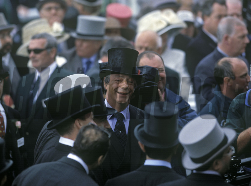 Henry Cecil Oath wins the 1999 Derby