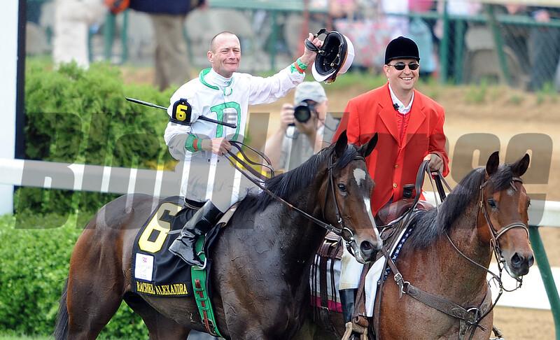Rachel Alexandra, Calvin Borel win KY Oaks 2009, churchill downs, walk to winners circle