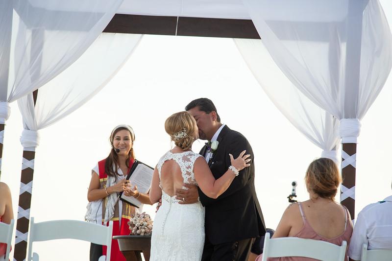 Cabo_beach_wedding_LeblanC_Los_Cabos_K&n-128