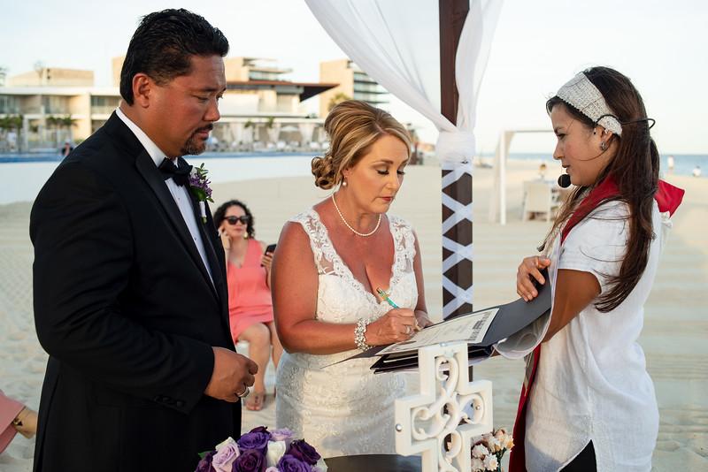 Cabo_beach_wedding_LeblanC_Los_Cabos_K&n-118