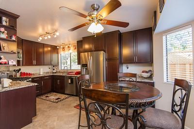 DSC_173_kitchen