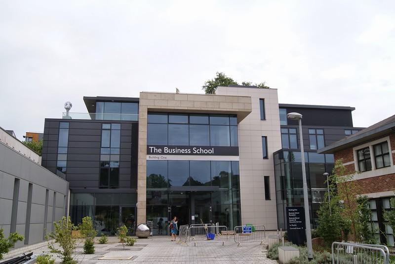 JustFacades.com Porcelanosa Exeter Uni Business School (6).JPG