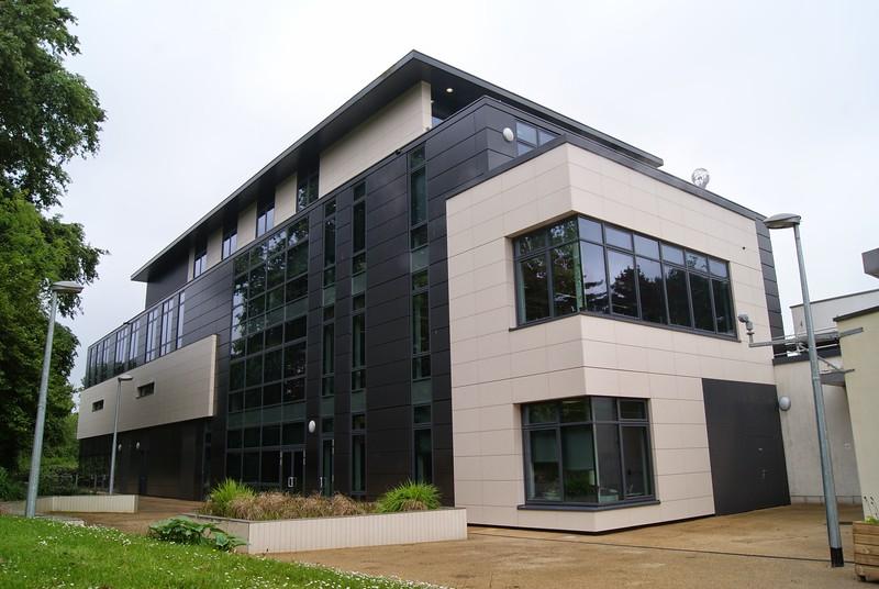 JustFacades.com Porcelanosa Exeter Uni Business School (10).JPG
