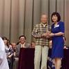 金文泰中學 1954年 你們的同學 陳繼炎 領獎 (60年的 名譽羽毛球教練)<br /> 校長李瑞華 頒獎 (照片 拍攝於 2011年4月)