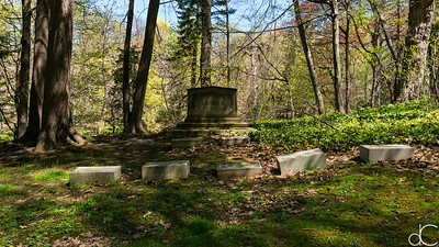 Storer - Stephan Monument and Graves, April 2017.