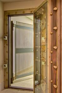 Entrance into a secondary vault