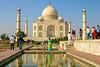 Women at Taj Mahal