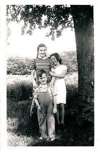 1944 - evella, nancy, gus