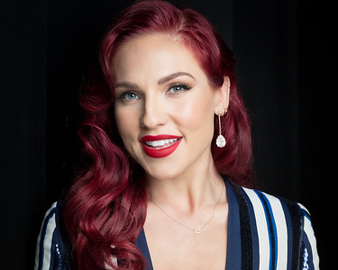 sharna-burgess-hair-make-up-guild-awards-2020-0582
