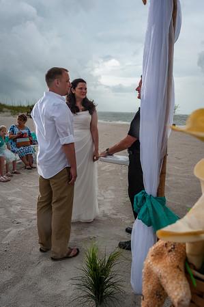 Allen_and_Wendy_a_Madeira_Beach_Wedding_007