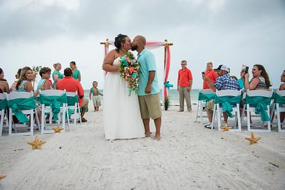 Brittnay_and_Dakota_a_Pass-a-Grille_Beach_Wedding_040