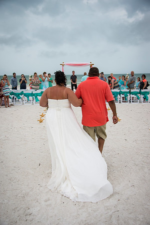 Brittnay_and_Dakota_a_Pass-a-Grille_Beach_Wedding_020