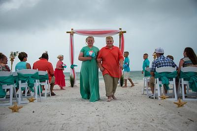 Brittnay_and_Dakota_a_Pass-a-Grille_Beach_Wedding_043
