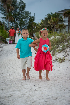Brittnay_and_Dakota_a_Pass-a-Grille_Beach_Wedding_016